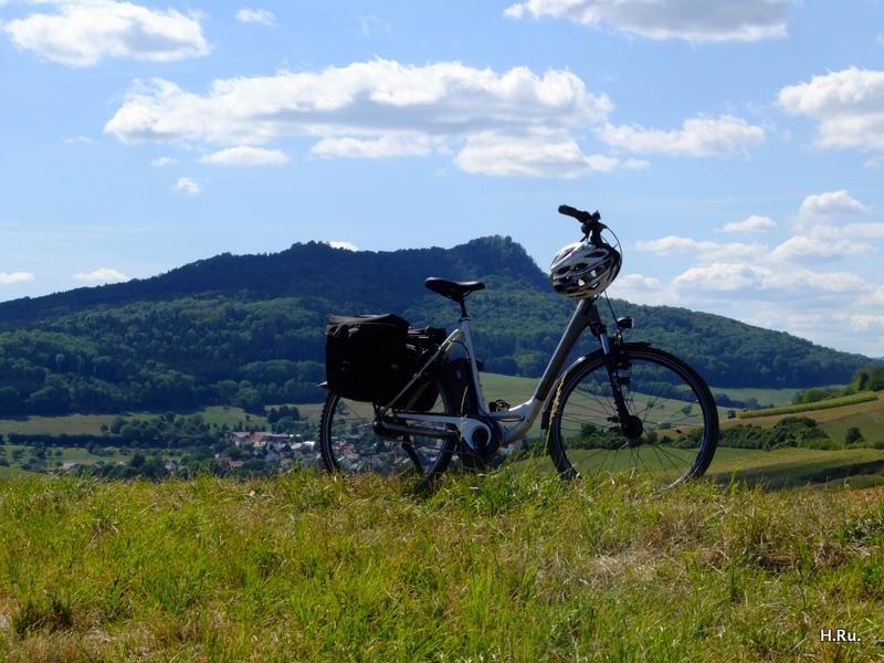 Durch das Hügelland des Hegau.